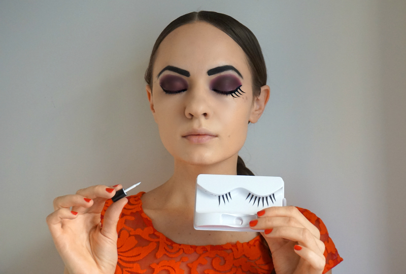 how to make your lashes look fake