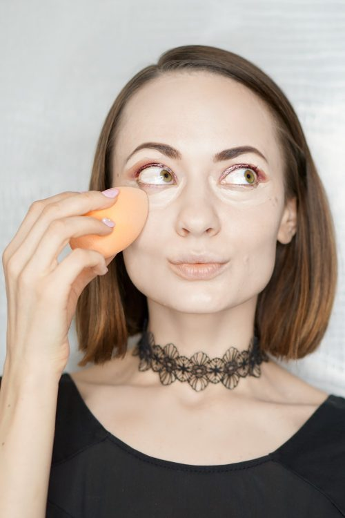 how to use real techniques miracle complexion sponge