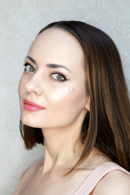 ABH Nicole Guerriero Glow Kit - glo getter swatch
