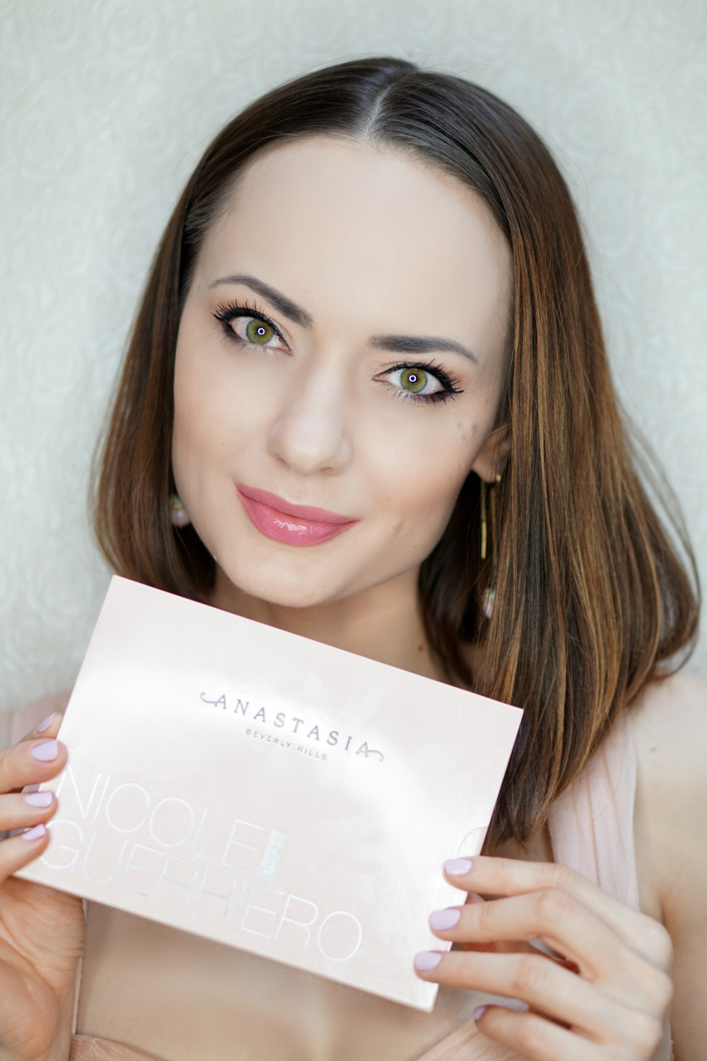 ABH Nicole Guerriero Glow Kit review 7