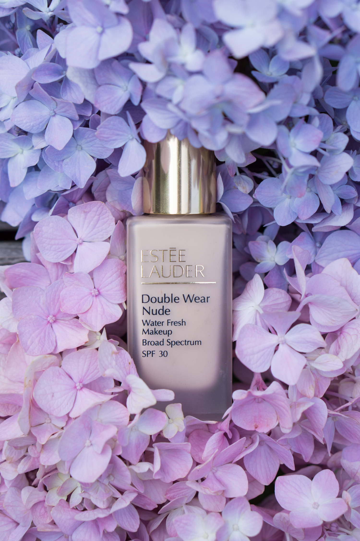 Estee Lauder Double Wear Nude Water Fresh Makeup Foundation Review