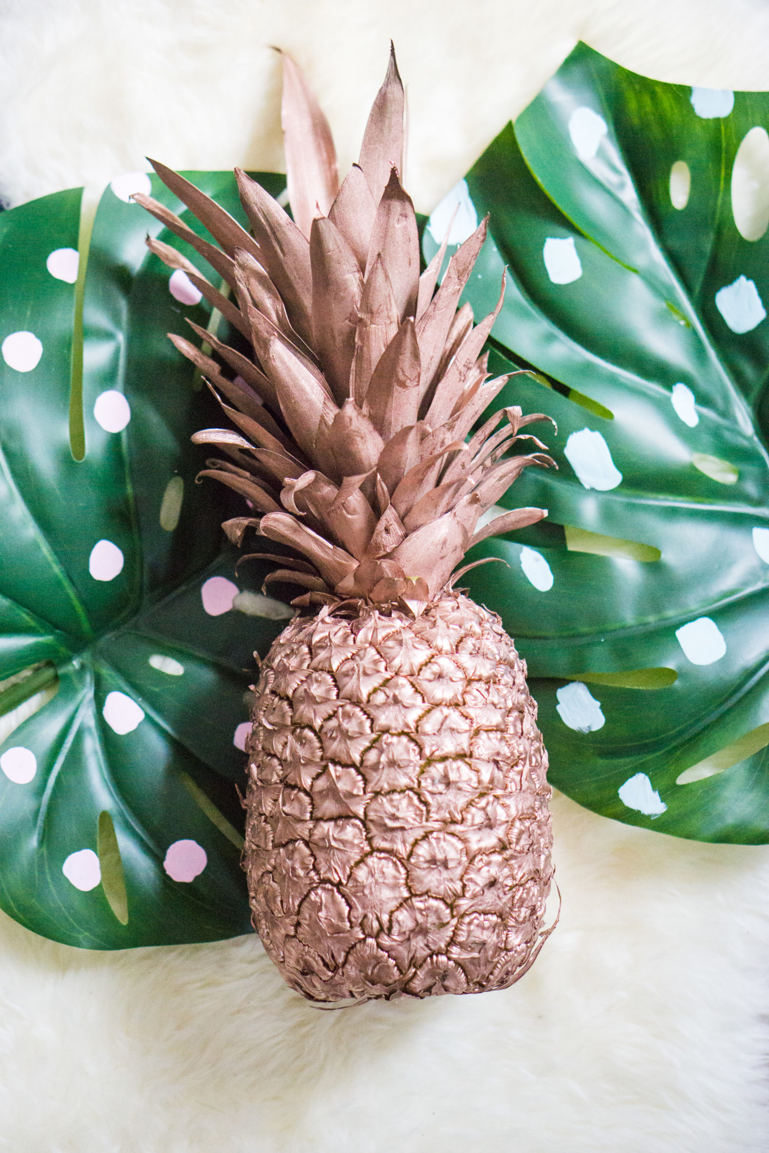 DIY painted pineapple decor idea