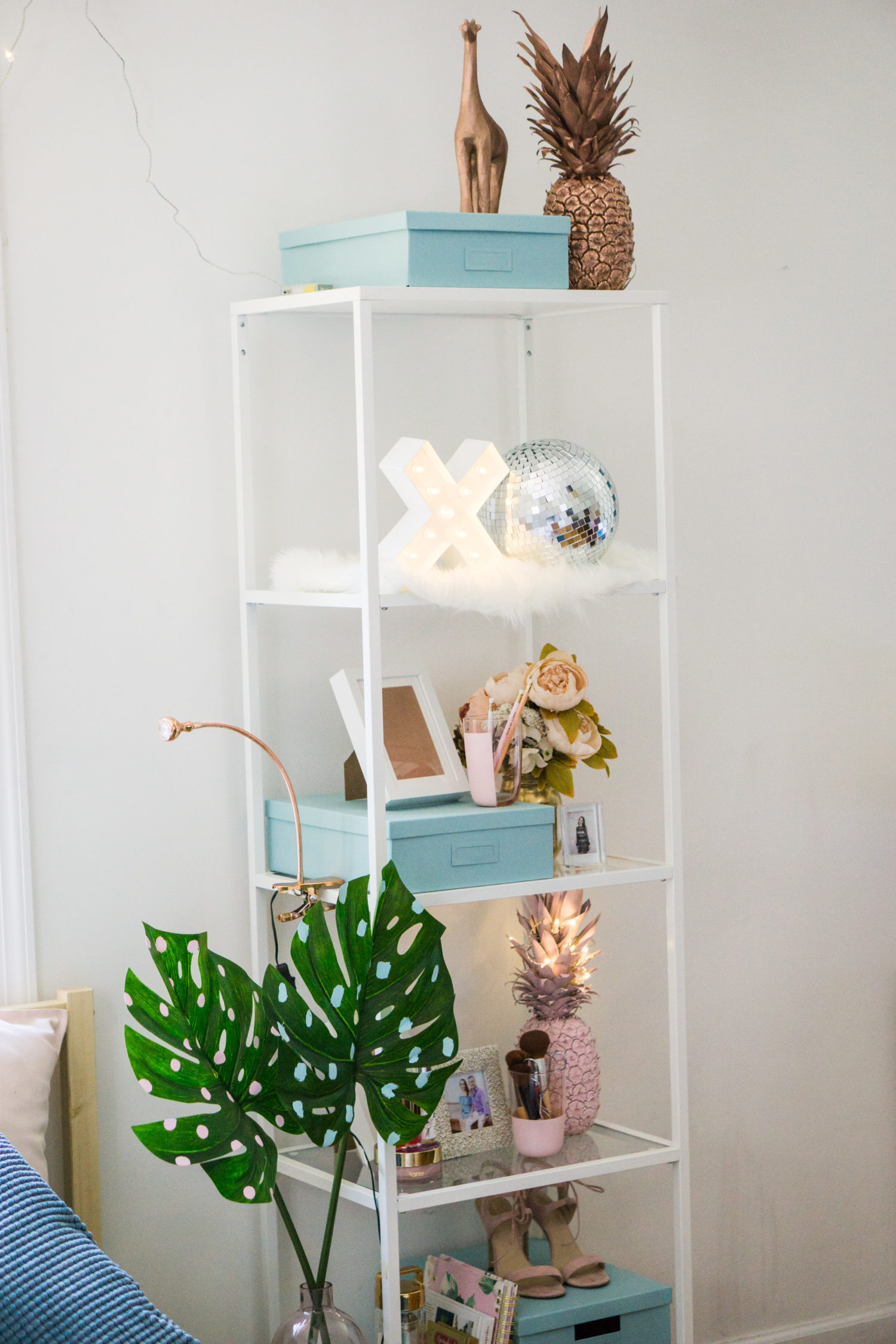IKEA decor - how to decorate a shelf